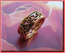 Solid copper Celtic Knot band Size 8 ring CTR3411 - 1/4 of an inch wide.
