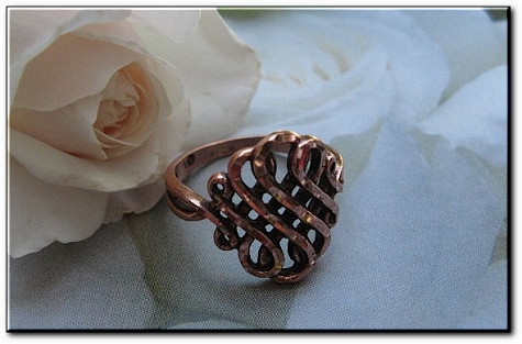 Solid copper Celtic Knot band Size 8 ring CR039 -3/4 of an inch wide.