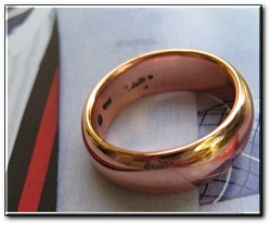 Copper Ring CTR796 - Size 8 - 7 mm  wide - Thick and rigid.