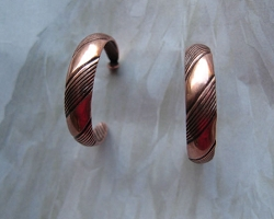 Solid Copper Hoop Earrings CE126702 -  1 inch in diameter.