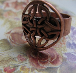 Solid copper Celtic Knot band Size 8 ring CR2011 -3/8 of an inch wide.