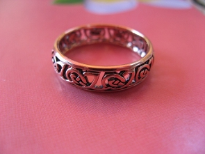 Solid copper Celtic Knot band Size 4 ring CTR3453 -3/16 of an inch wide.