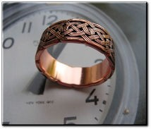 Solid copper Celtic Knot band Size 4 ring CTR684 - 3/8 of an inch wide.