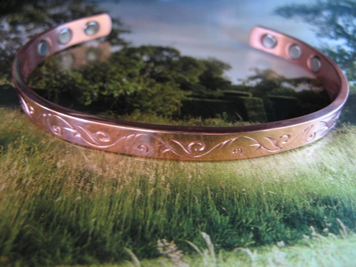Ladies 7 Inch Solid Copper Magnetic Cuff Bracelet CBM333 - 1/4 of an inch wide.