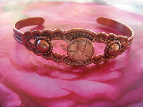 Women's 6 1/2 Inch Solid Copper Cuff Bracelet CB6822C - 1/2 an inch wide.