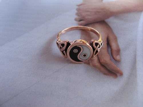 Size 9 Solid Copper Yin and yang Ring CRI1390 - 1/2 of an inch round