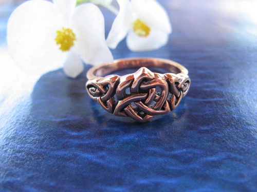 Solid copper Celtic Knot band Size 9 ring CRI1694 - 3/16 of an inch wide.
