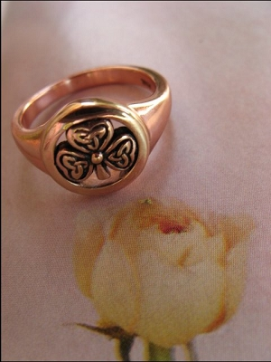 Solid copper Celtic Knot band Size 5 ring CRI1248 -7/16 of an inch round.
