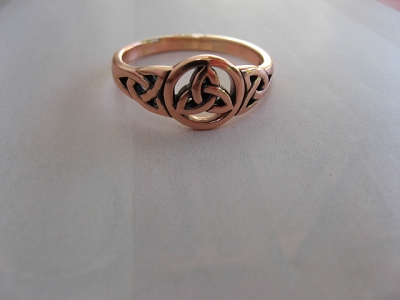 Solid copper Celtic Knot band Size 8 ring CRI1275 - 3/8 of an inch round.
