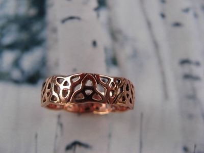 Solid copper Celtic Knot band Size 8 ring CRI1317 -3/16 of an inch wide.
