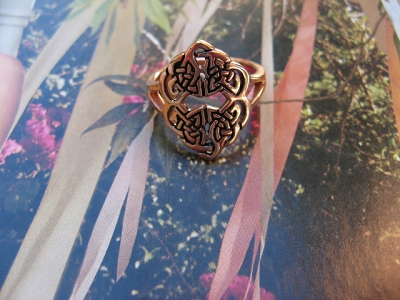 Solid copper Celtic Knot band Size 8 ring CRI1481 - 3/4 of an inch wide.