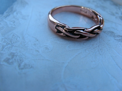 Solid copper Celtic Knot band Size 8 ring CTR418 -3/16 of an inch wide.