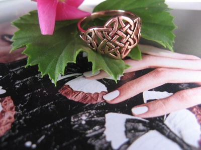 Solid copper Celtic Knot band Size 8 ring CTR667 - 1/2 an inch wide.