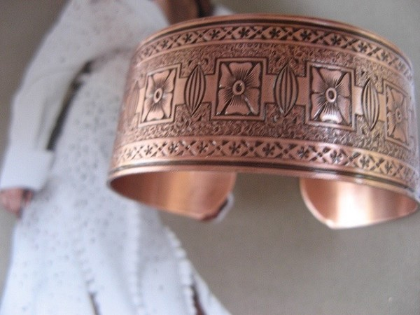 Women's 7 Inch Solid Copper Cuff Bracelet CB0651C3- 1 inch wide.