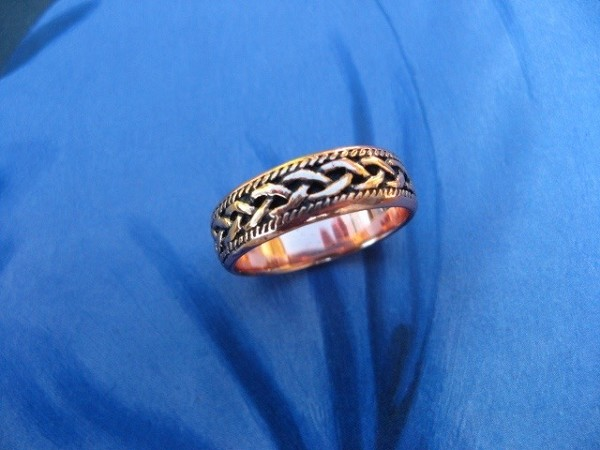 Solid copper Celtic Knot band Size 9 ring CTR041 - 1/4 of an inch wide.