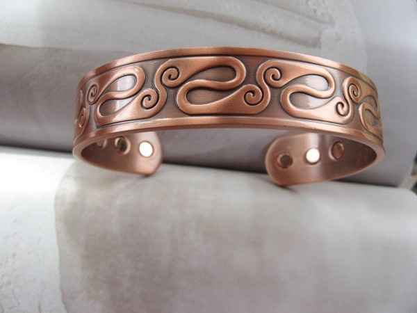 Men's 8 Inch Solid Copper Magnetic Cuff Bracelet CBM890 - 5/8 of an inch wide.
