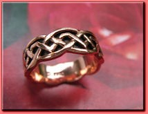 Solid copper Celtic Knot band Size 9 ring CTR393 - 1/4 of an inch wide.