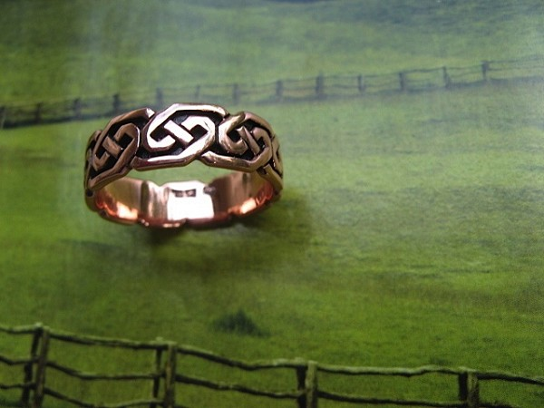 Solid copper Celtic Knot band Size 9 ring CTR380- 1/4 of an inch wide