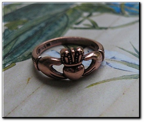 Solid copper Celtic Claddagh band Size 9 ring CR050 - 3/8 of an inch wide.
