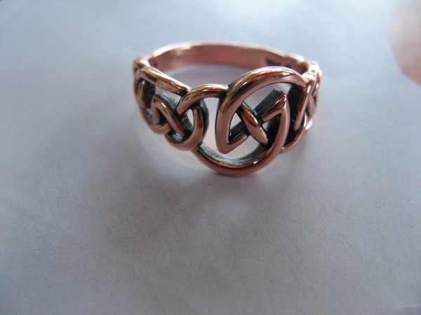 Solid copper Celtic Knot band Size 9 ring CRI1112 -7/16 of an inch wide.