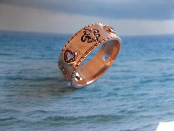 Size 10 solid copper Fleur-de-lis band ring CRI171 - 3/16 of an inch wide