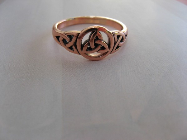 Solid copper Celtic Knot band Size 7 ring CRI1275 - 3/8 of an inch round.