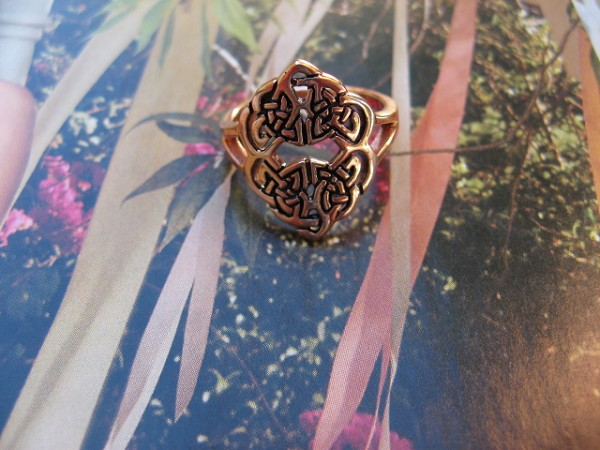 Solid copper Celtic Knot band Size 9 ring CRI1481 - 3/4 of an inch wide.