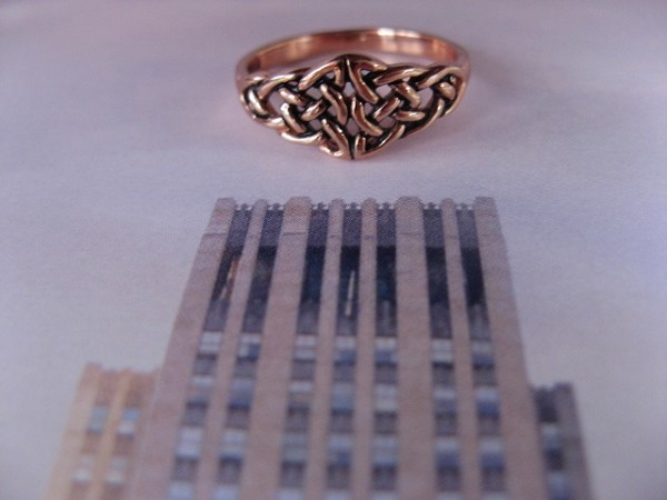Solid copper Celtic Knot band Size 9 ring CTR1764 - 3/8 of an inch wide