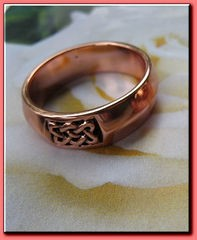 Solid copper Celtic Knot band Size 8 ring CTR1804 - 1/4 of an inch wide.