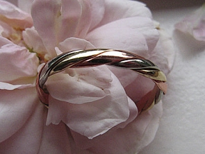 Copper Tri - Metal Ring CR5249L - Size 6 - 1/8 of an inch wide.