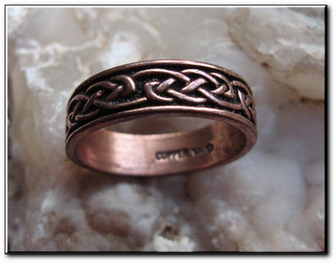 Solid copper Celtic Knot band Size 8 ring CR053 - 1/4 of an inch wide