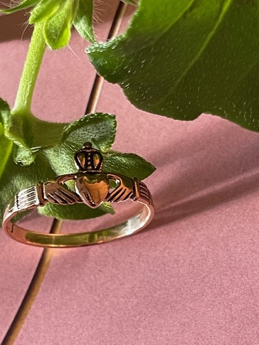 Size 5 Solid copper Celtic Claddagh ring CTR240 - 3/16 of an inch wide. Very petite.