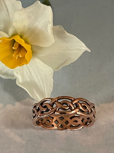 Size 8 Solid copper Celtic Knot band ring CTR399 - 3/16 of an inch wide.