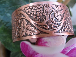 Women's 7 Inch Copper Cuff Bracelet CB4646C2- 1 inch wide.