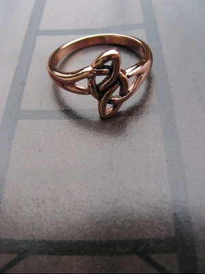Solid copper Celtic Knot band Size 8 ring CRI1553 - 1/2 an inch wide.