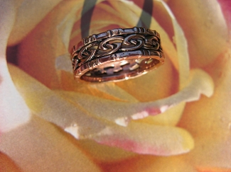 Solid copper Celtic Knot band Size 8 ring CTR3416- 1/4 of an inch wide.