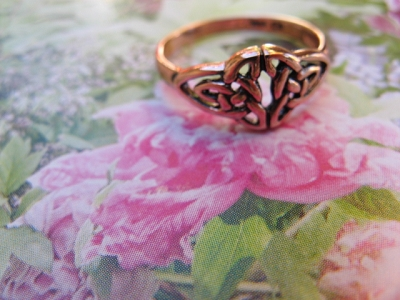 Solid copper Celtic Knot band Size 8 ring CTR1775 - 5/16 of an inch wide.