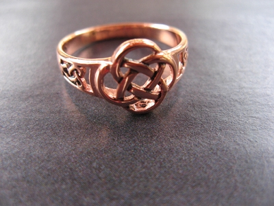 Solid copper Celtic Knot band Size 8 ring CSM230 - 3/8 of an inch wide.
