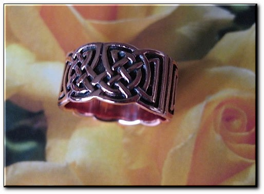 Solid copper Celtic Knot band Size 10 ring CTR661 - 3/8 of an inch wide.