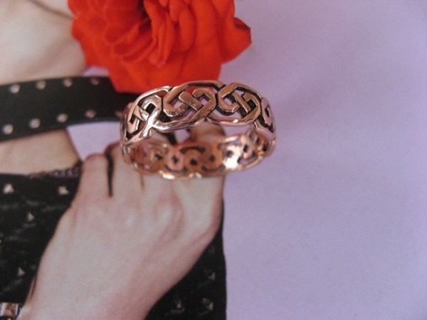 Solid copper Celtic Knot band Size 8 ring CTR392- 1/4 of an inch wide.